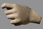 Scultura - Mano sinistra con oggetto cilindrico