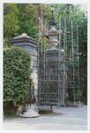 Ricollocazione degli acroteri dell'ingresso nord . Orto botanico di Padova