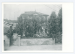 Edificio di fronte al Messaggero di S. Antonio, in via Orto botanico