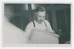 Consegna di una pergamena ricordo a Romolo Pellizzari. Montebelluna