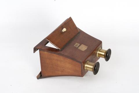 Gli strumenti del pre cinema del museo di storia della - Stereoscopio a specchi ...