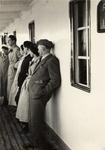 Guido Cirilli e altri passeggeri sul ponte della nave