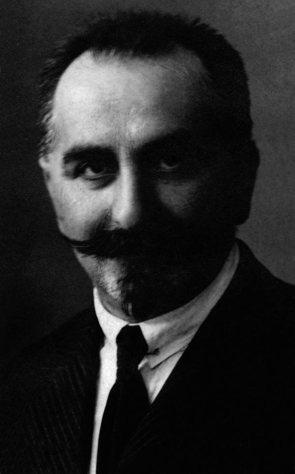 Foto dallo stato matricolare di Gino Luzzatto (1927?). ASCF, Serie Docenti, Fasc. Luzzatto Gino